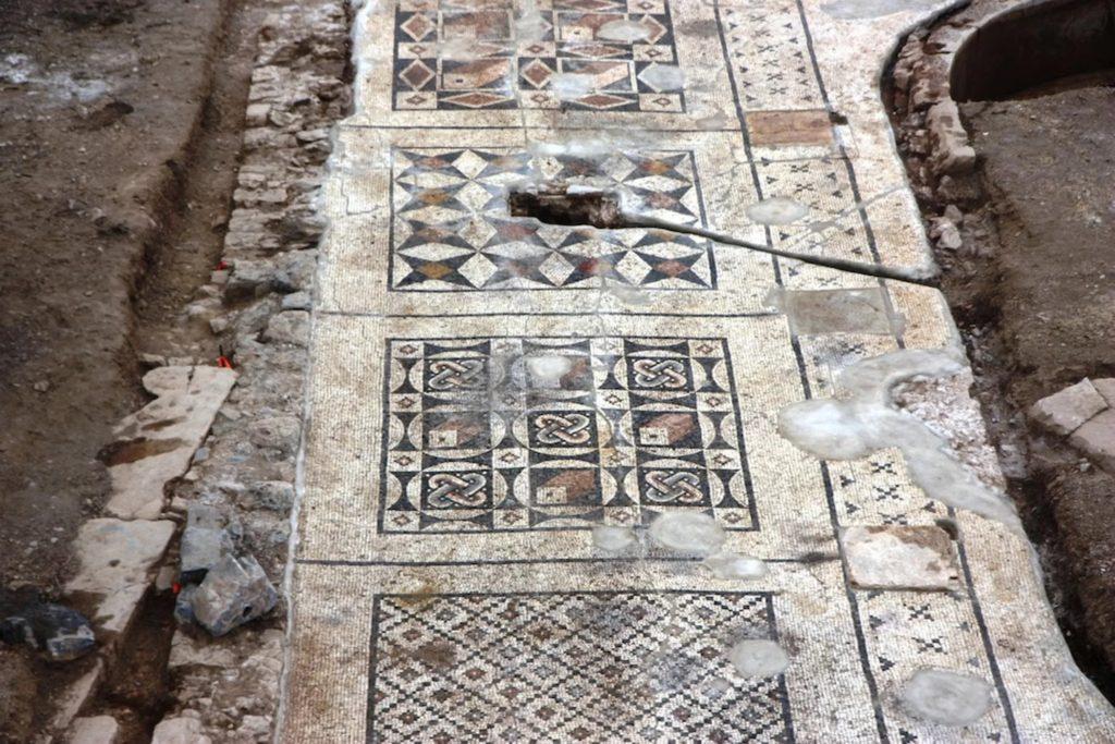 Enormous Roman Mosaic Found Under Farmer's Field