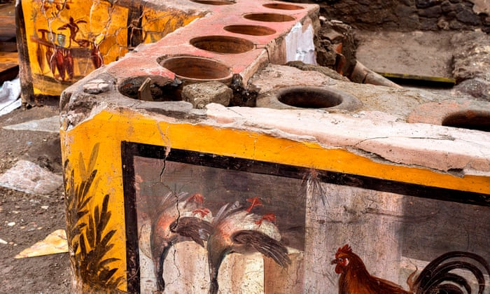 Exceptionally well-preserved snack bar unearthed in Pompeii